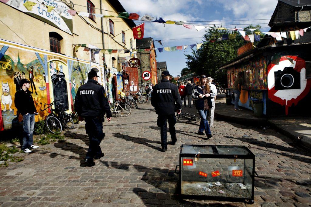 Полиция патрулирует улицы в Христиании
