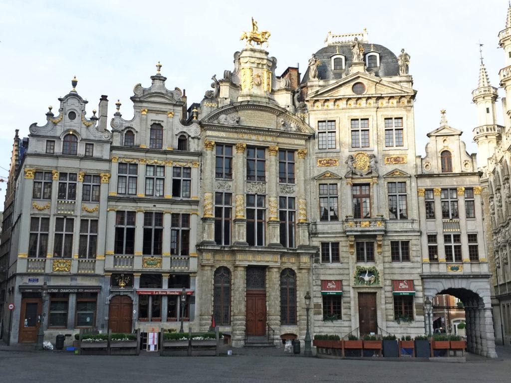 Здание на площади Гранд-Плас в Брюсселе