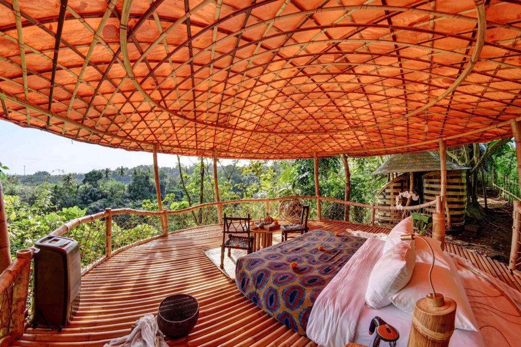 Отель домики из бамбука на Бали