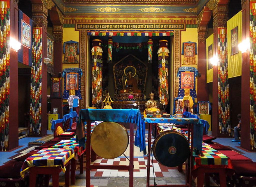 Буддийский храм Дацан Гунзэчойнэй в Санкт-Петербурге фото внутри