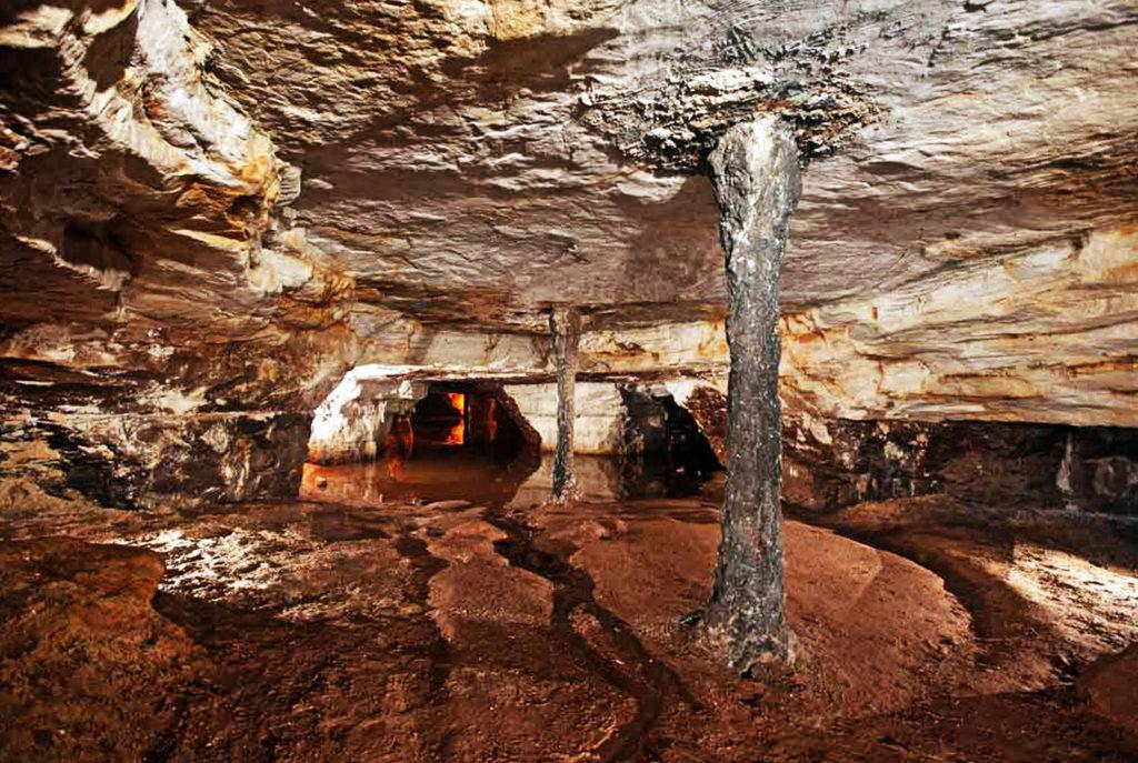 Саблинские пещеры в Санкт-Петербурге
