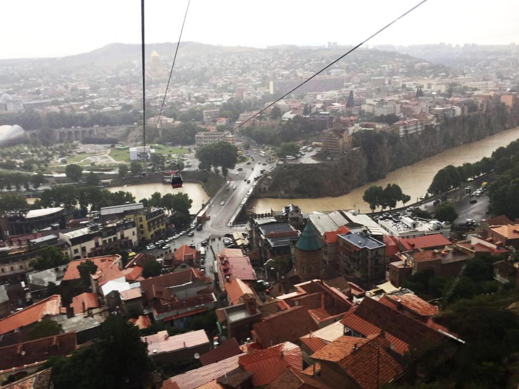 Канатная дорога в Крепости Нарикала в Тбилиси