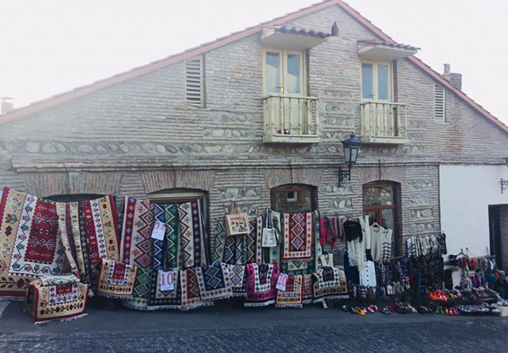 Рынок ковров в Сигнахи в Грузии