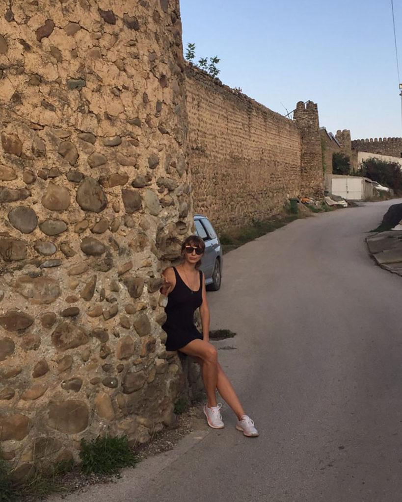 Каменные стены в Сигнахи